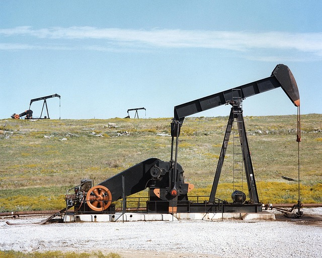 画像に alt 属性が指定されていません。ファイル名: oil-pump-jacks-1425456_640.jpg